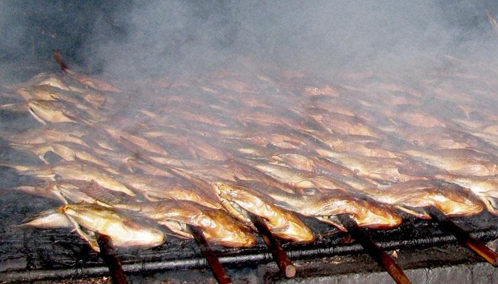 kuliner ikan asap khas surabaya